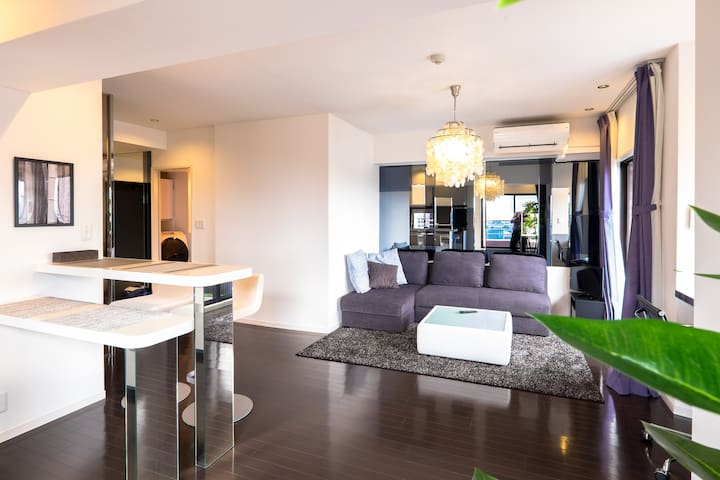 Stylish top floor Roppongi living with roofterrace - Minato - Appartement