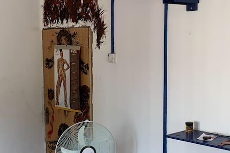 Grungy Artist Studio / Room in Historic Lagos