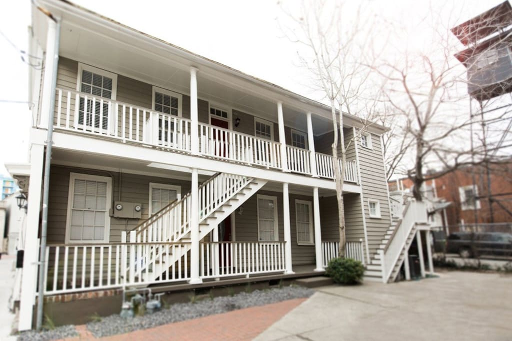 Classic Charleston Duplex - Upstairs apt features awesome porch to relax and people watch!