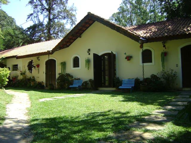 Lindo sitio com lazer completo - Bom Jesus dos Perdões - Cottage