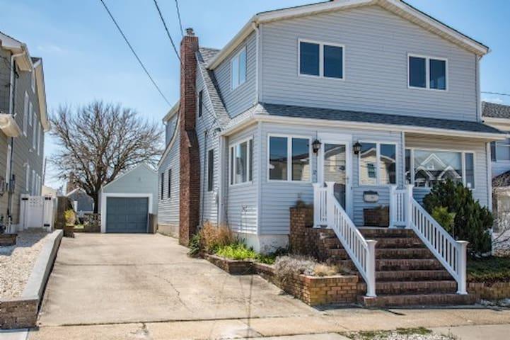 9 bedroom beach house - 240 ft. to quiet NJ shore