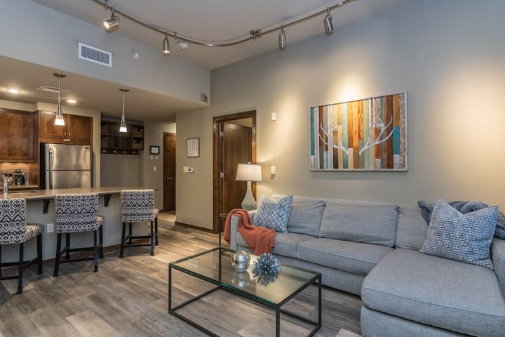 Sweet Condo | Ski Locker at Base Included | Private Downtown Parking Garage