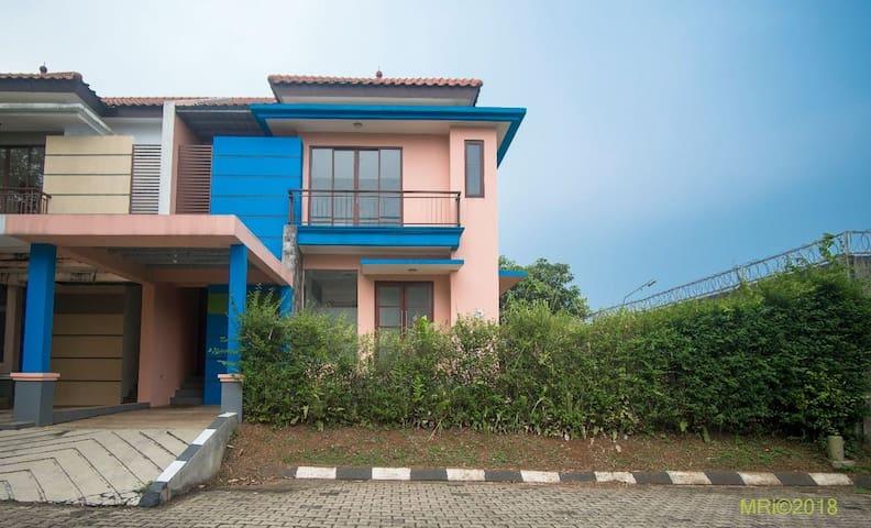 HomeSweetHome-Bogor Indonesia