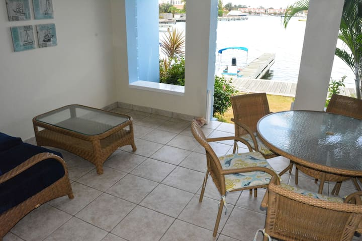 Harbour 3-Bed Villa #12 Water-front with Pool