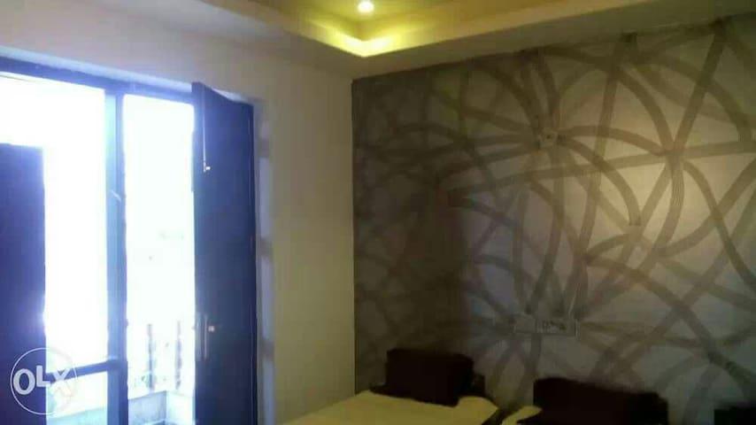 Guesthouse in Gurgaon (Delhi NCR). - Gurgaon - Villa