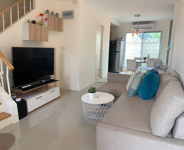 Town house for short term or long term in PATTAYA.
