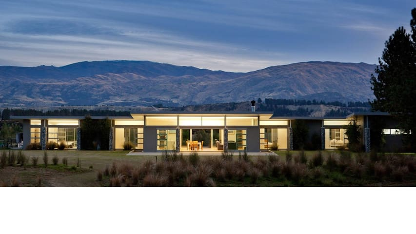 Horseshoe Bend House