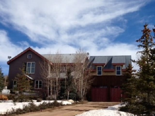 Beautiful 3100 sq ft home in Crested Butte South. Sleeps 12. Front Deck w/ spa.
