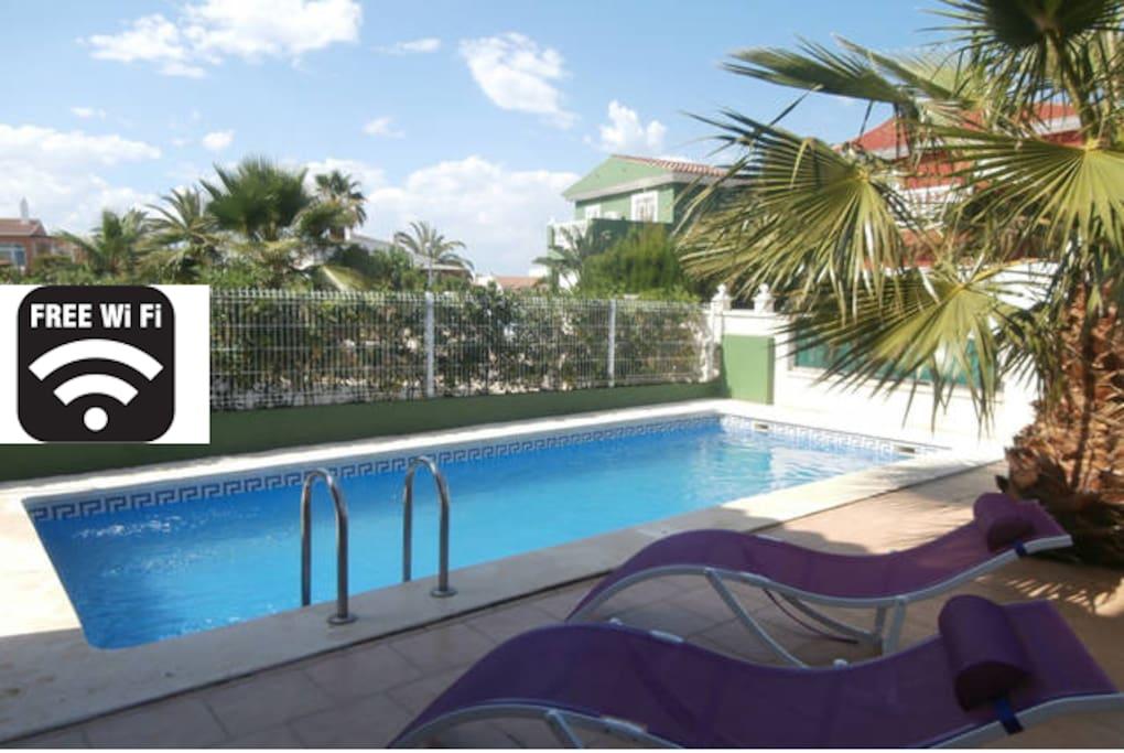 Preciosa casa con piscina privada villas en alquiler en for Suite con piscina privada madrid