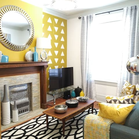 Bright, bold and beautiful lux in trendy Ossington