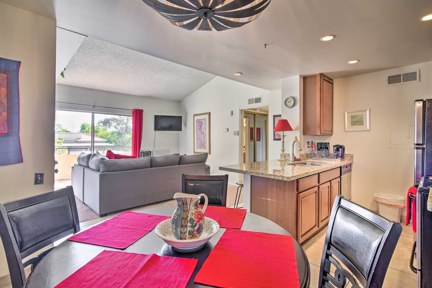 Book a trip to this lavish vacation rental condo in Scottsdale!
