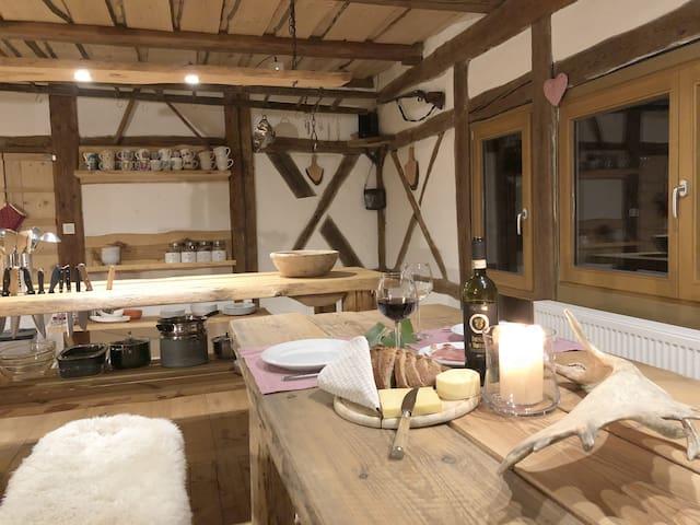 Gemütliches Chalet mit Tennen-Lager