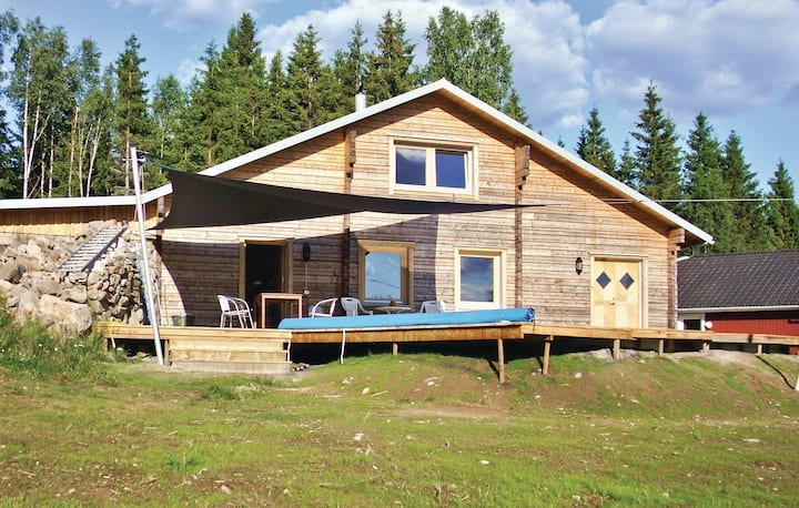 Awesome home in Gislaved with Sauna, WiFi and 4 Bedrooms