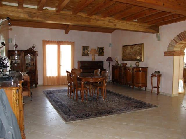 le pigeonnier - Senouillac - บ้านพักตากอากาศ