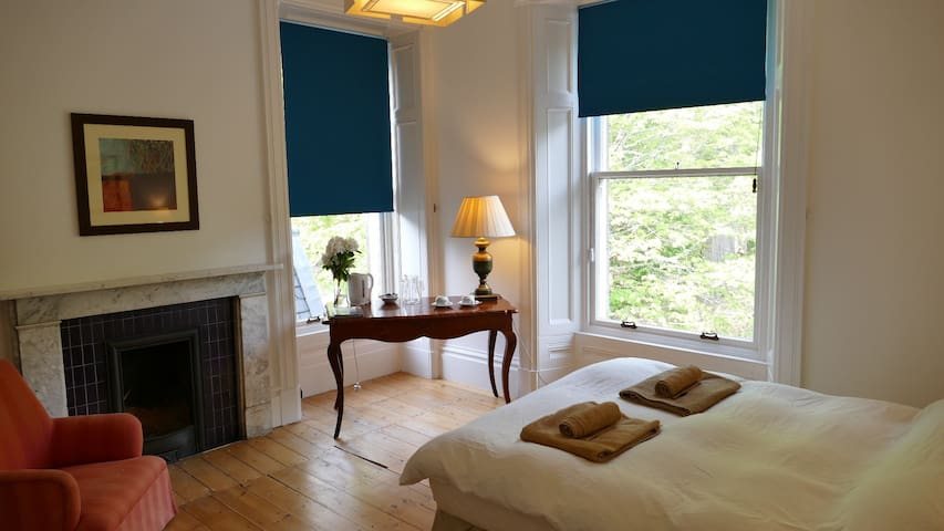 B&B Suite in Beautiful Highland Estate by the Sea