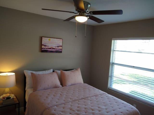 Bedroom #2 (of 5) 1 Queen size bed