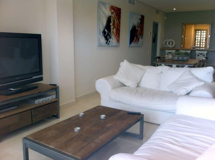 Salón \ Living Room