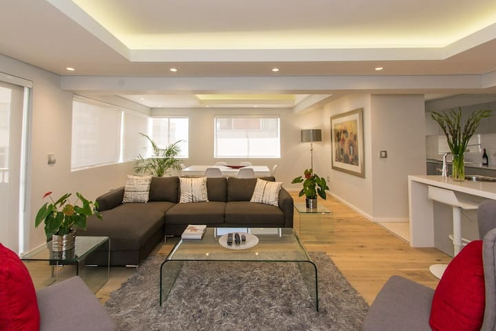 New 2 Bed Apartment in Sea Point - Cape Town - Apartament