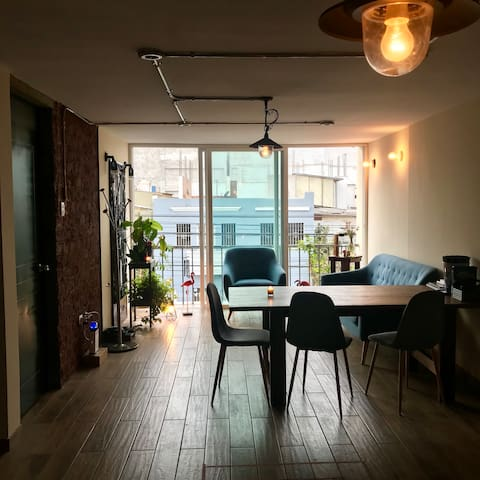 Industrial/Vintage  Apartment in Miraflores