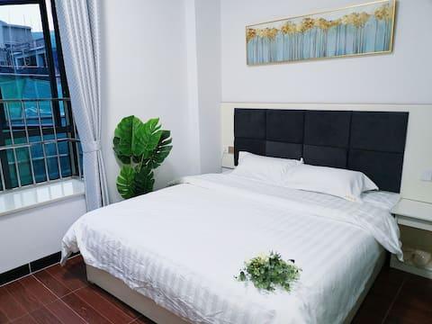 《逸家公寓》豪华大床房闹中取静,近机场 航展馆 免费接送机   401