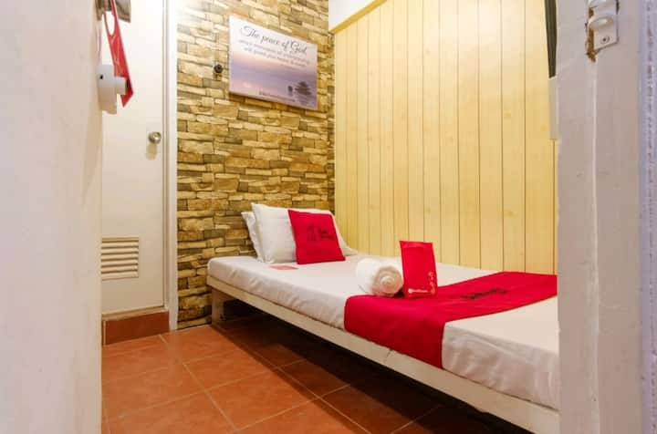 Cheap Hotel Single Room In Pasay near Owwa