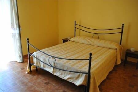 Casa vacanze vicino al mare - Torregrotta - 公寓
