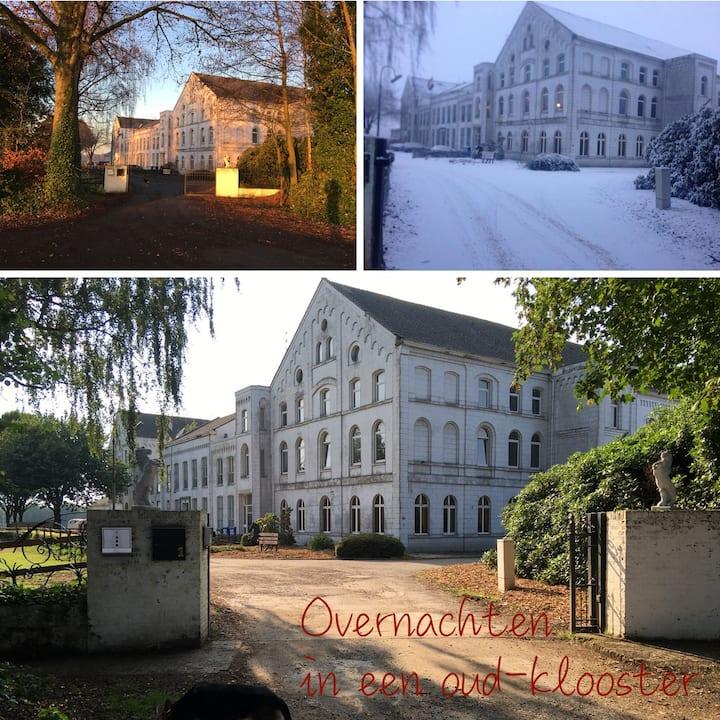 Overnachten tot 5 personen in een oud-klooster