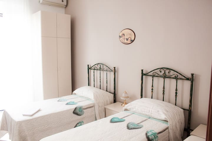 A Casa di Amici - Toritto - Bed & Breakfast