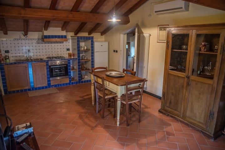 Eremo di Aldo a delightful cottage near 5 Terre - Santo Stefano di Magra - House