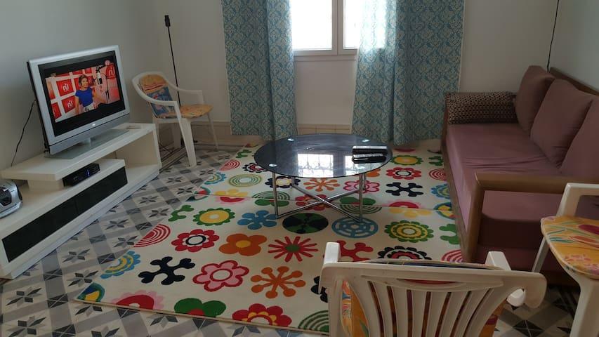appartement rdc de villa en bord de mer - Villa