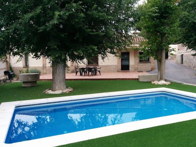 CASA EL OLMO una alojamiento rural en un pinar - Toledo - Huis