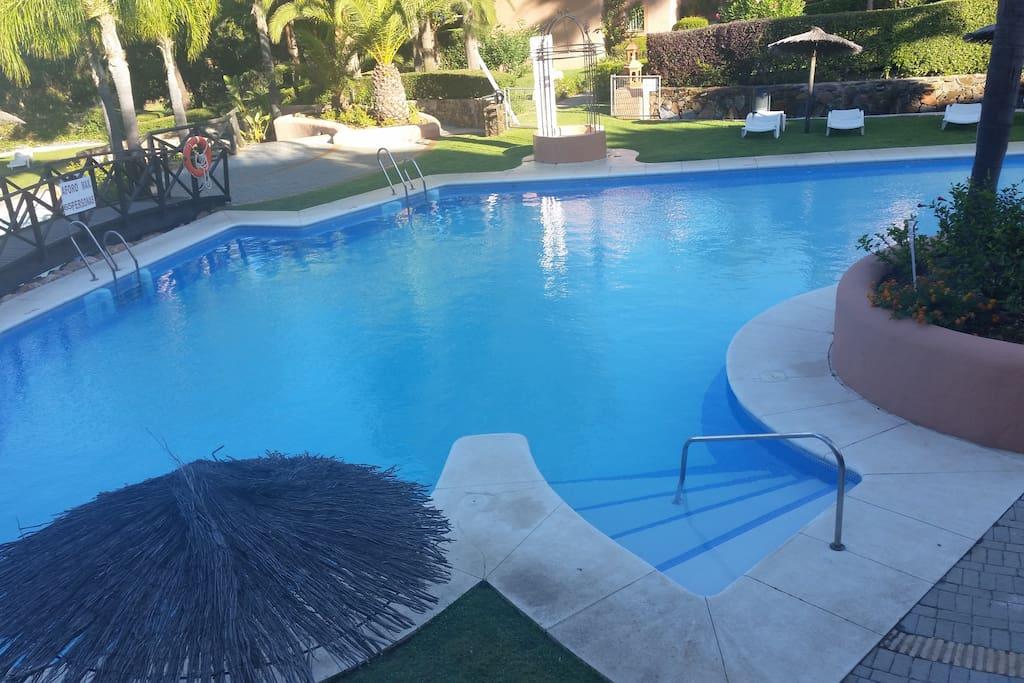 Las piscinas tienen acceso de lo mas comodo