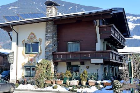 gelebte Zillertaler Gastfreundschaft - Ried im Zillertal - Lakás