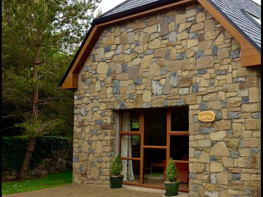 Beautiful traditional Stone faced Cottage