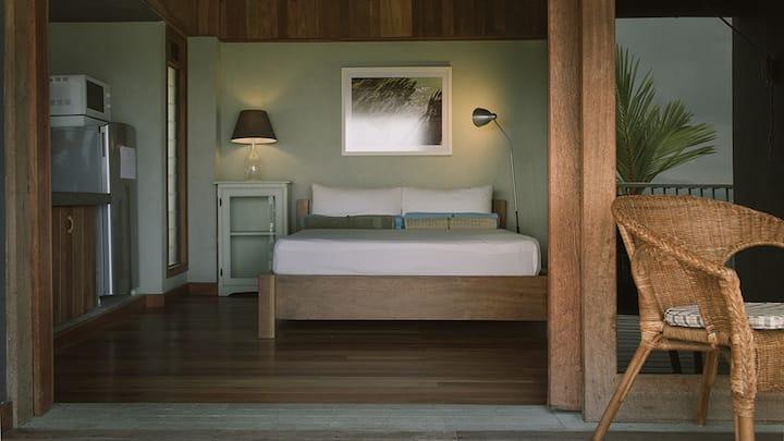 Evensong @Awanmulan - a sunset cabin