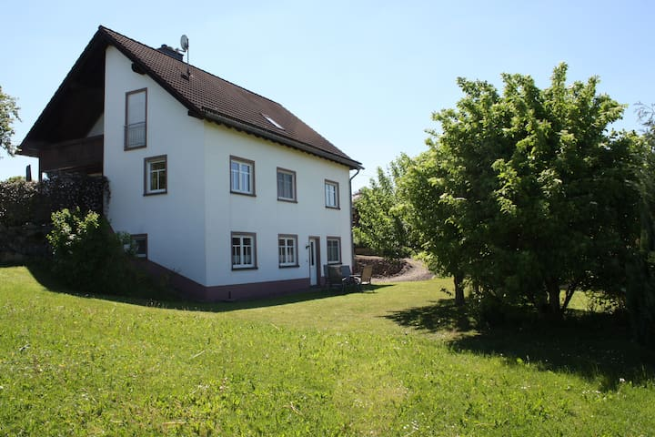 Cozy Apartment in Rommersheim near Forest