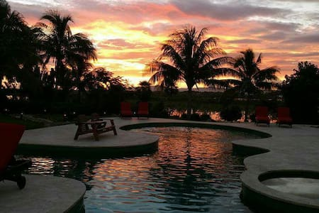Luxury home in The Reserve gated community - Sanctuary Belize Placencia  - Haus