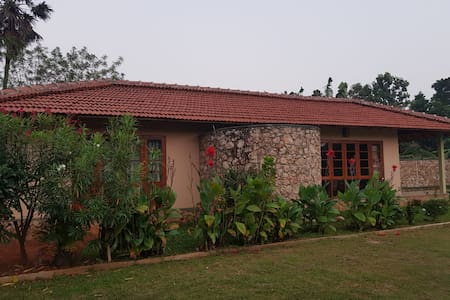 "Jaffna Home ""Rose Villa"""
