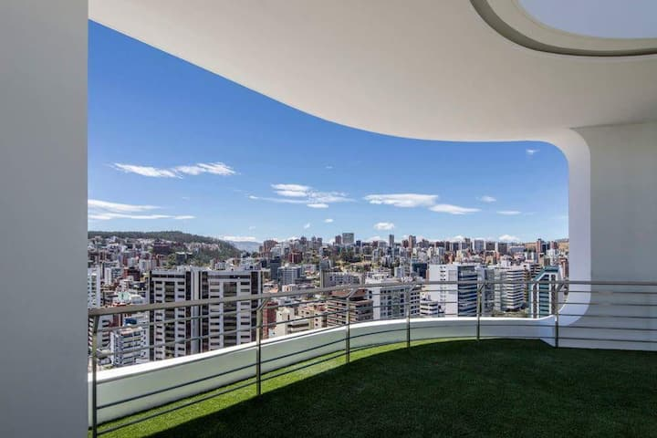 Luxury Suite with 360° View of Quito