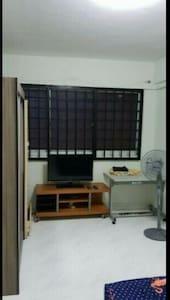 Common room for rental @blk569 Pasir ris street 51