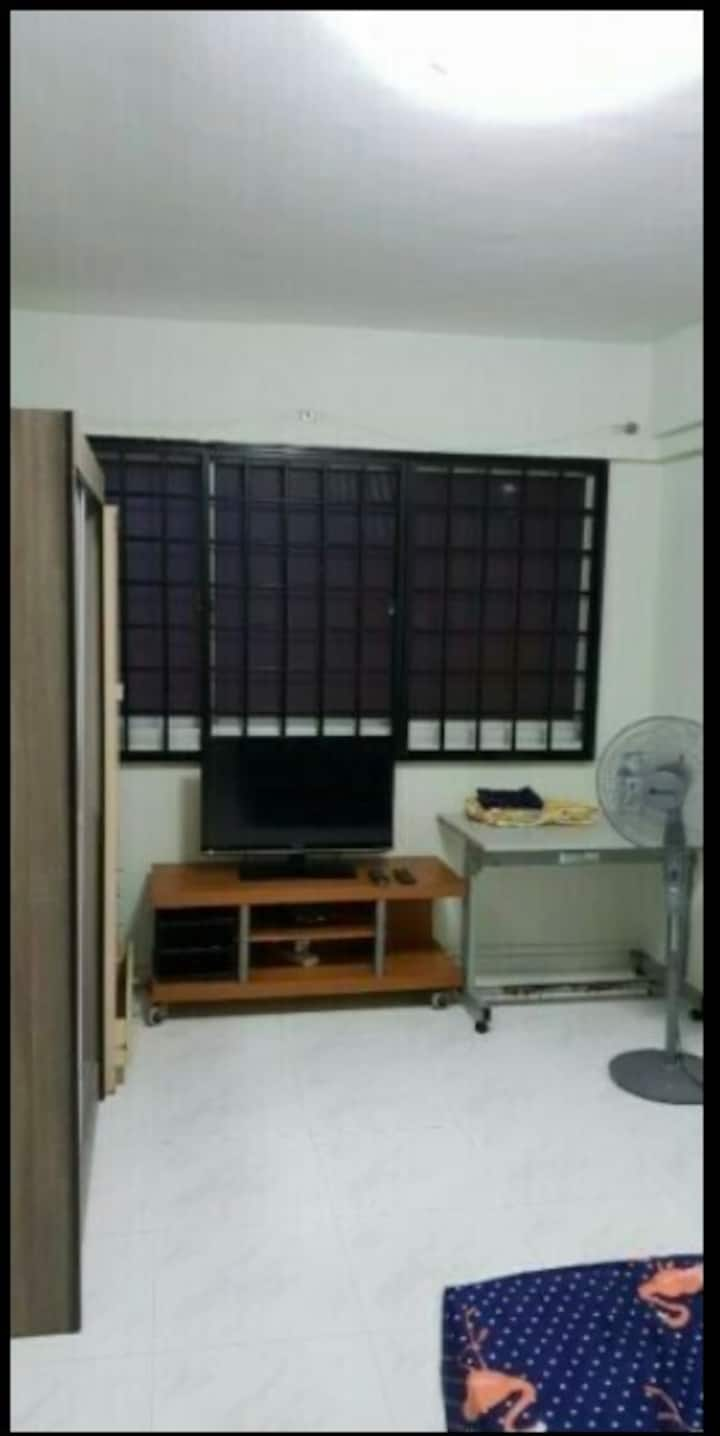 Common room for rental @blk569 Pasir ris street 51