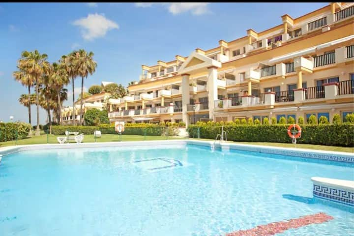 Large Beachfront Studio Apartment Elviria