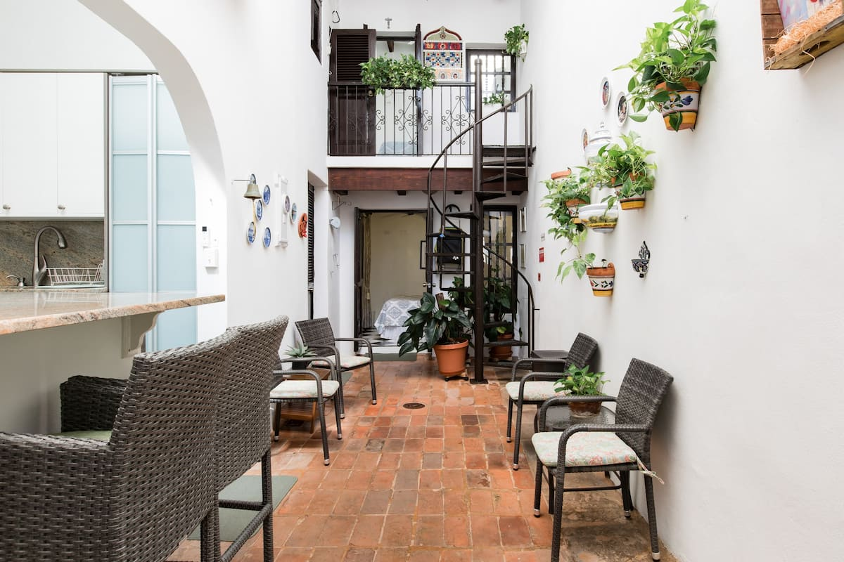 Charming Spanish House in Exclusive Street