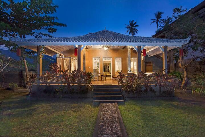 SARASWATI RETREAT, AMED, a balinese beach house