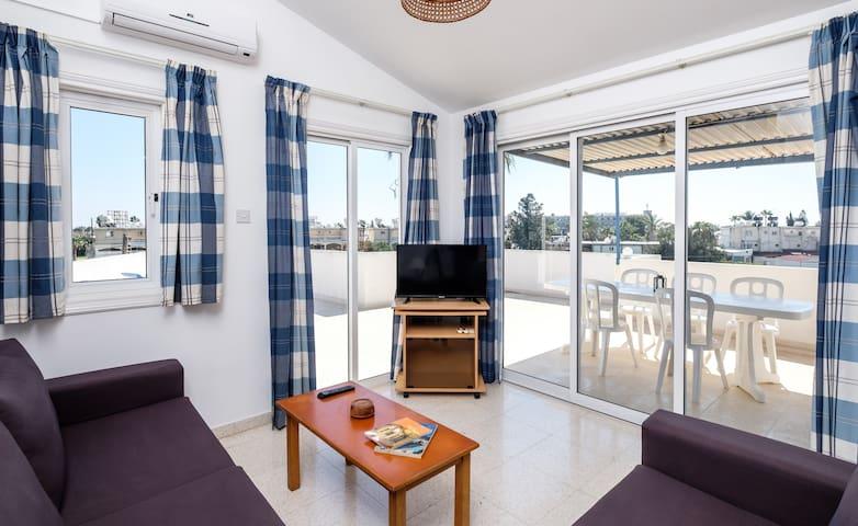 Budget 2 bedroom penthouse, near the beach