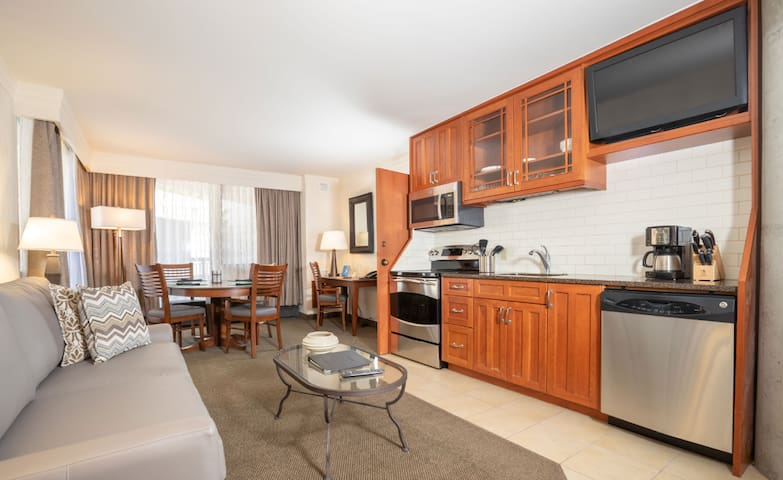 2-Bedroom Cliff Club at Snowbird Suite + Amenities