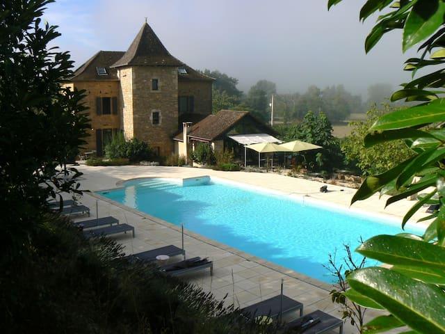 Hotel*** de charme près de Figeac, en campagne