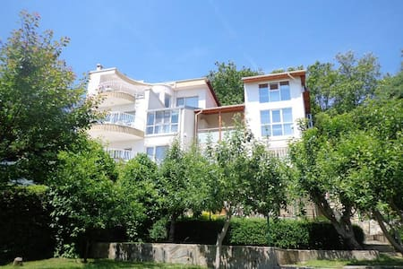 New Listing! A Fancy Villa at Kabakum Beach - 바르나