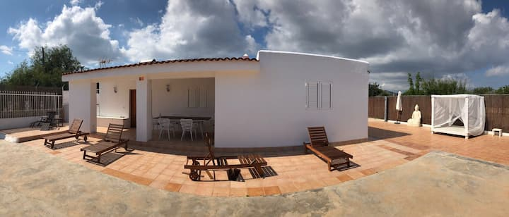 VILLA AIR - Relax, 2 Km bossa Beach, Wifi, BBQ