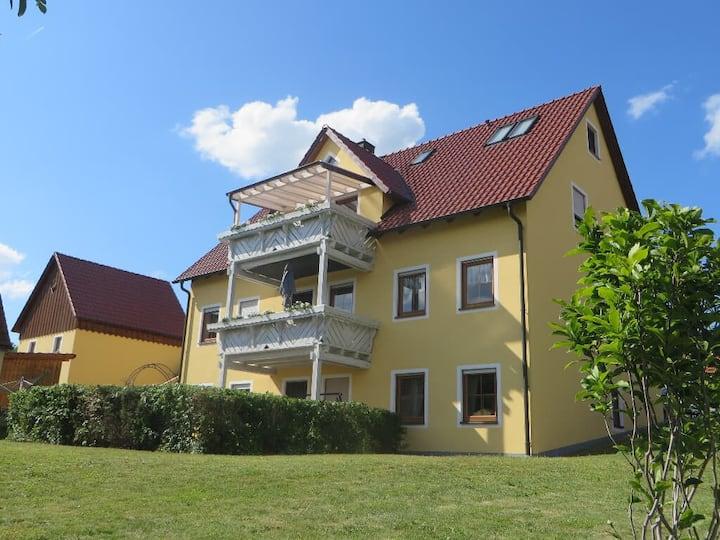 Pension Küblböck (Bad Neualbenreuth), Doppelzimmer mit Fernseher und WLAN
